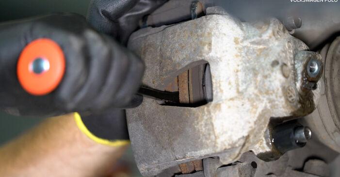 Tausch Tutorial Bremssattel am VW POLO (9N_) 2001 wechselt - Tipps und Tricks