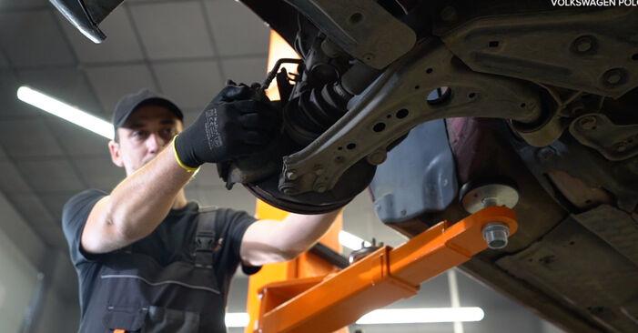 Wie schwer ist es, selbst zu reparieren: Bremssattel Polo 9n 1.4 16V 2007 Tausch - Downloaden Sie sich illustrierte Anleitungen