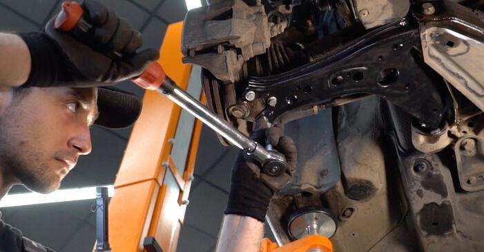 Kako odstraniti VW POLO 1.9 TDI 2005 Roka - spletna, enostavna za sledenje, navodila