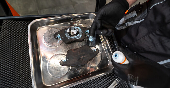 Touran 1t3 2.0 TDI 2012 Bremssattel austauschen: Unentgeltliche Reparatur-Tutorials