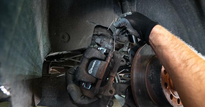 Bremsscheiben Ihres Touran 1T3 1.4 TSI EcoFuel 2012 selbst Wechsel - Gratis Tutorial