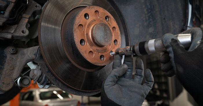 VW TOURAN 1.2 TSI Bremsscheiben ausbauen: Anweisungen und Video-Tutorials online