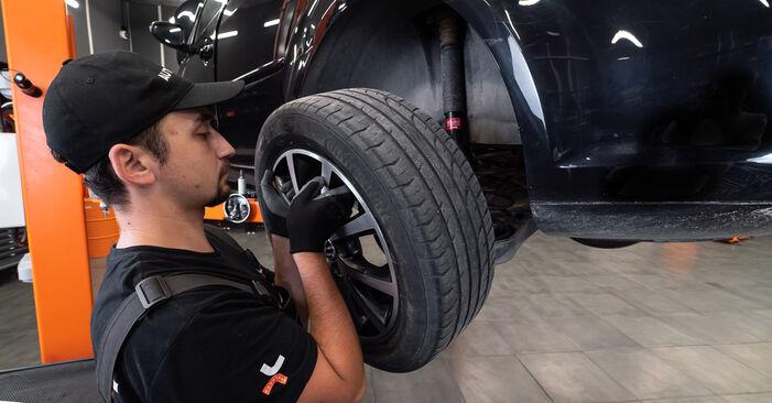 Kako zamenjati Zavorni kolut na VW TOURAN (1T3) 2015 - prenesite PDF priročnike in video navodila