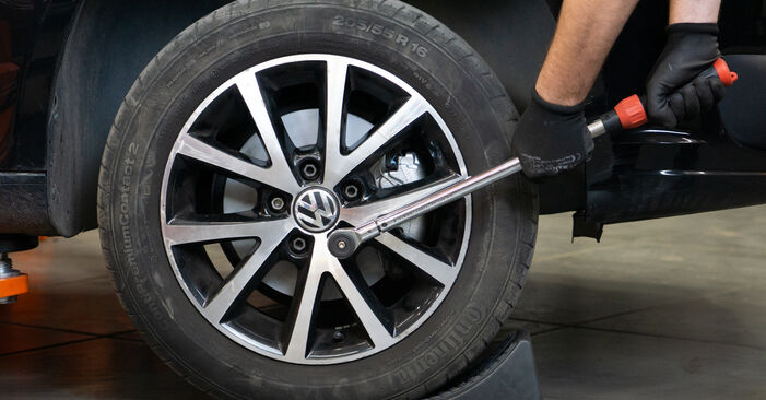 Zweckdienliche Tipps zum Austausch von Bremsscheiben beim VW TOURAN (1T3) 1.4 TSI 2012