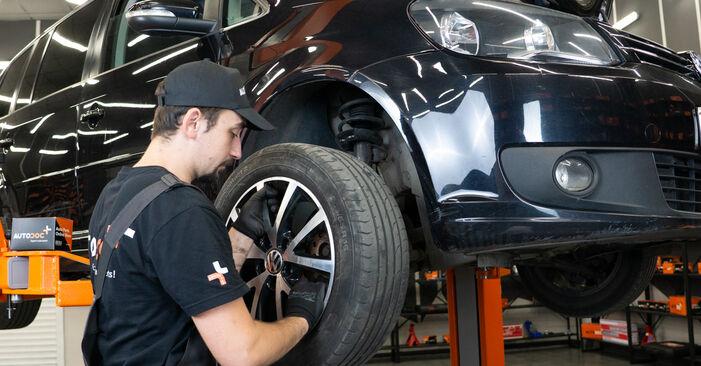 Bremsscheiben am VW TOURAN (1T3) 1.6 TDI 2015 wechseln – Laden Sie sich PDF-Handbücher und Videoanleitungen herunter