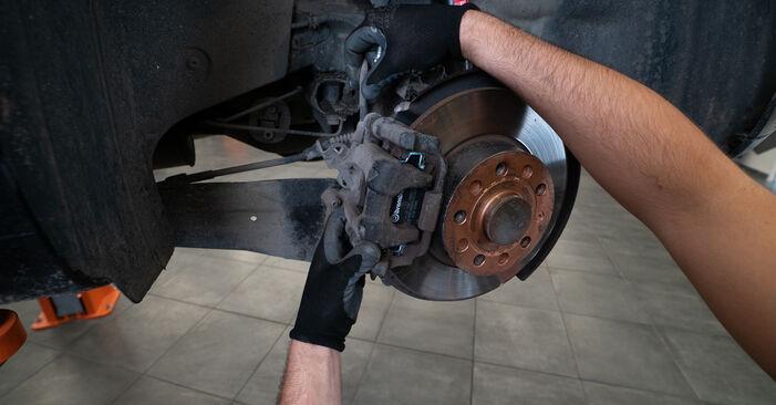 Sostituire Pastiglie Freno su VW TOURAN (1T3) 1.4 TSI 2012 non è più un problema con il nostro tutorial passo-passo