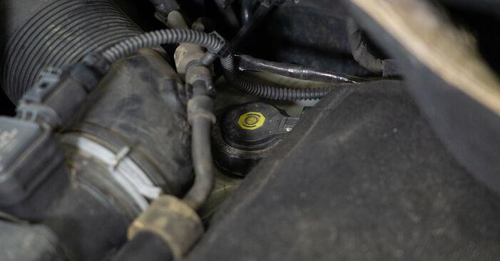 Remblokken VW TOURAN 1.4 TSI EcoFuel vervangen: online leidraden en videohandleidingen