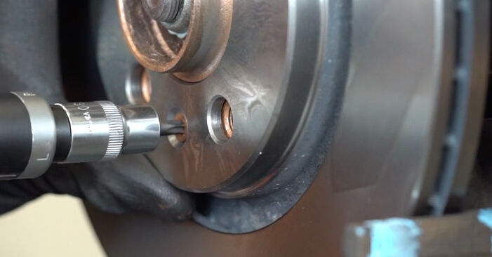 How to change Brake Discs on AUDI A3 Hatchback (8L1) 2000 - tips and tricks