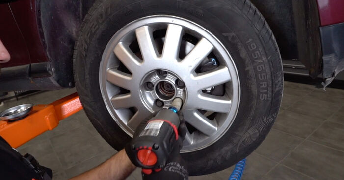Changing Brake Discs on AUDI A3 Hatchback (8L1) S3 1.8 quattro 1999 by yourself