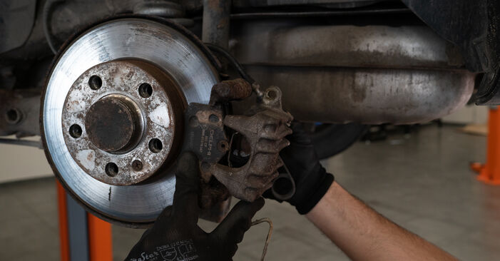 AUDI A3 1.6 Brake Pads replacement: online guides and video tutorials