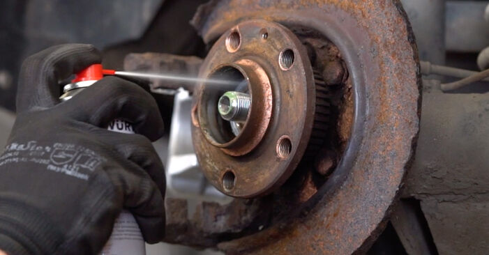 How to change Wheel Bearing on AUDI A3 Hatchback (8L1) 2000 - tips and tricks
