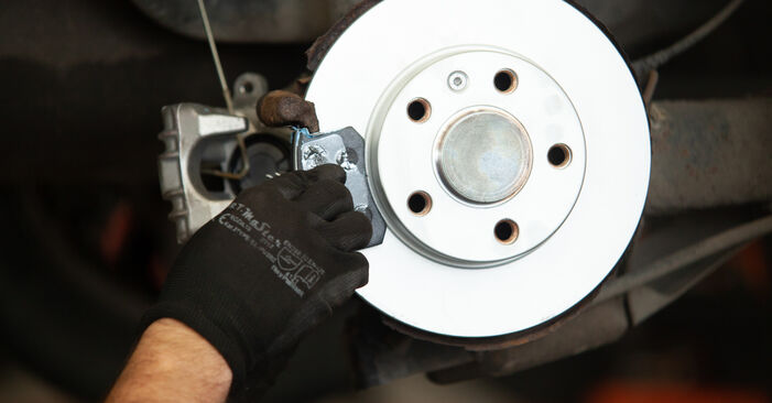 Replacing Wheel Bearing on Audi A3 8l1 1998 1.9 TDI by yourself