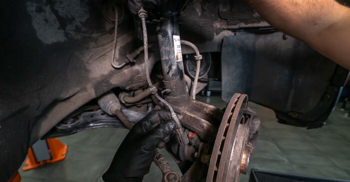 Changing of Strut Mount on Audi A3 8l1 1996 won't be an issue if you follow this illustrated step-by-step guide