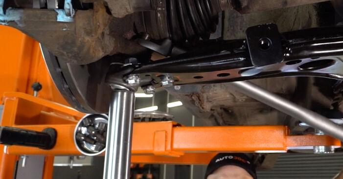Wie schwer ist es, selbst zu reparieren: Querlenker Audi A3 8L 1.9 TDI 2002 Tausch - Downloaden Sie sich illustrierte Anleitungen