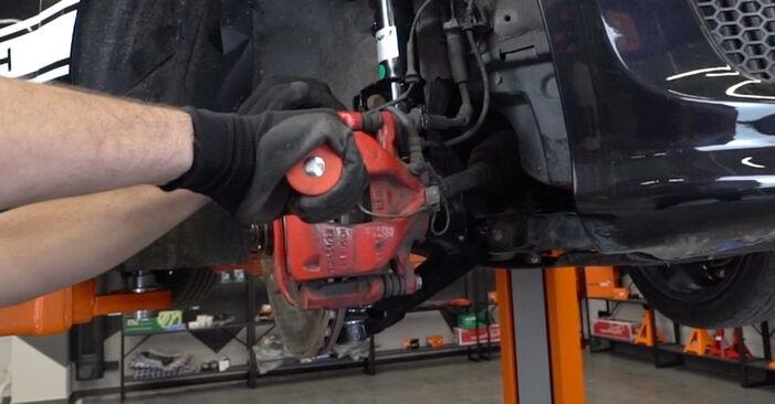 Wie schwer ist es, selbst zu reparieren: Bremsbeläge Abarth 595 1.4 (312.AXT1A) 2014 Tausch - Downloaden Sie sich illustrierte Anleitungen