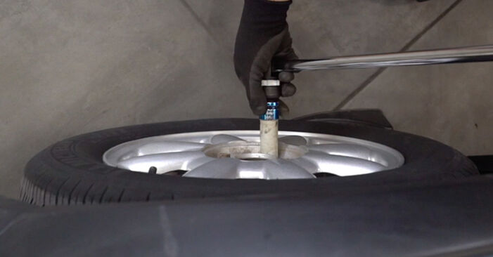 MINI MINI (R50, R53) 1.6 One 2003 Brake Pads replacement: free workshop manuals