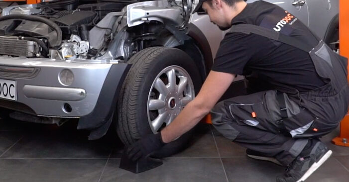 How to replace MINI Hatchback (R50, R53) 1.6 Cooper 2002 Brake Discs - step-by-step manuals and video guides