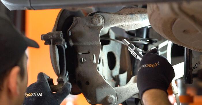Zweckdienliche Tipps zum Austausch von Bremsscheiben beim MINI Schrägheck (R50, R53) 1.6 Cooper S 2003