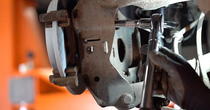 Bremsscheiben am MINI Schrägheck (R50, R53) 1.6 Works 2006 wechseln – Laden Sie sich PDF-Handbücher und Videoanleitungen herunter