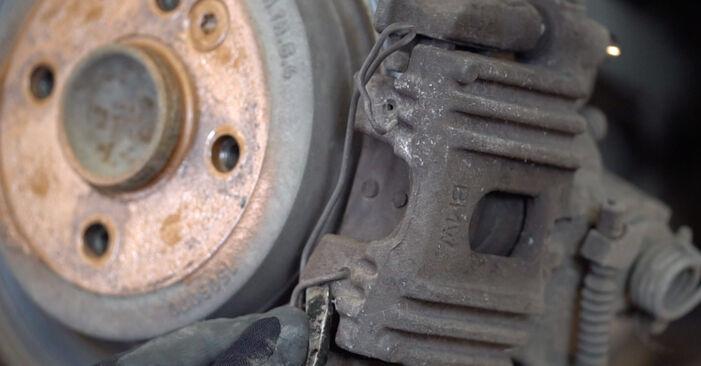 Bremsscheiben Ihres MINI MINI (R50, R53) 1.6 S Works 2003 selbst Wechsel - Gratis Tutorial