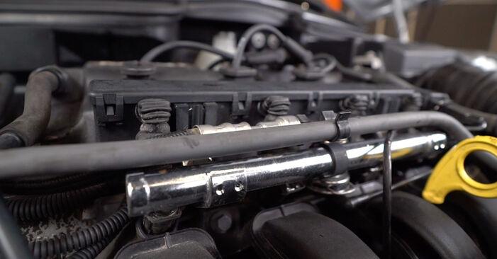 Bytte Hatchback (R50, R53) 1.4 One D 2006 Tennspolen – gjør det selv med vår veiledning