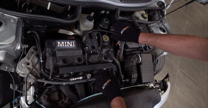 Bytte MINI MINI (R50, R53) 1.6 One 2003 Tennspolen: gratis verkstedsveiledning