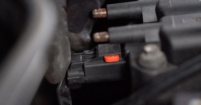 Hvordan bytte Tennspolen på MINI Hatchback (R50, R53) 1.4 D One 2004 selv