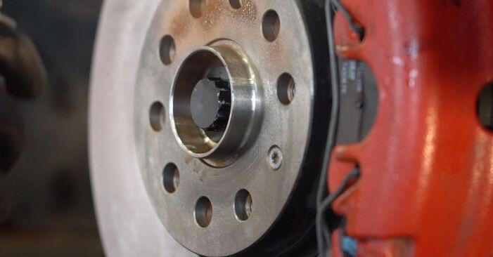 Slik fjerner du VW GOLF 1.4 2007 Bremseklosser – enkle instruksjoner på nettet som er lette å følge