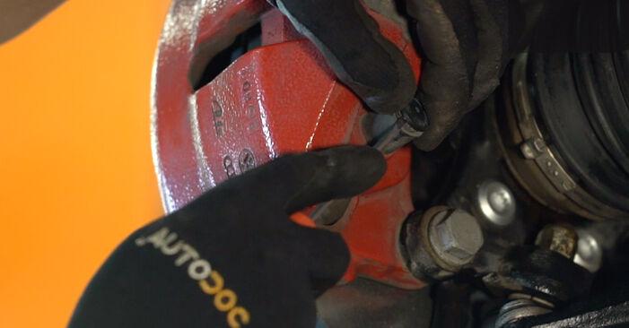 VW GOLF 2003 Bremseklosser trinn–for–trinn veiledning for bytte