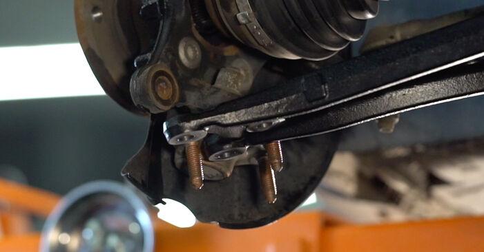 Cum să înlocuiți Rulment roata la VW GOLF VI (5K1) 2008: descărcați manualele în format PDF și instrucțiunile video