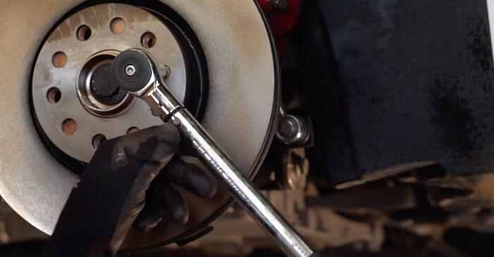 Cum să demontați VW GOLF 1.4 2007 Rulment roata - instrucțiunile online ușoare de urmărit