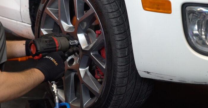Manualul de înlocuire pas cu pas VW GOLF 2003 Rulment roata
