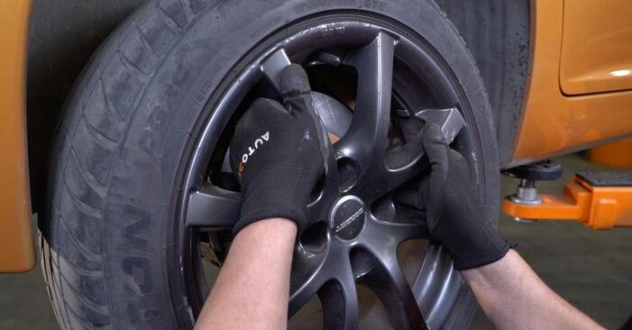 Wie schwer ist es, selbst zu reparieren: Bremsscheiben PEUGEOT 207 (WA_, WC_) 1.6 16V RC 2012 Tausch - Downloaden Sie sich illustrierte Anleitungen