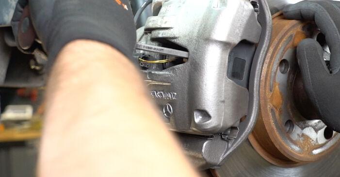 Bremsscheiben Ihres Mercedes W211 E 200 CDI 2.2 (211.007) 2002 selbst Wechsel - Gratis Tutorial
