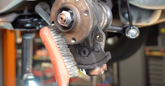 Fiat Panda 169 1.1 2005 Wheel Bearing replacement: free workshop manuals