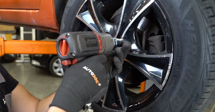 How to change Wheel Bearing on Fiat Panda 169 2003 - free PDF and video manuals