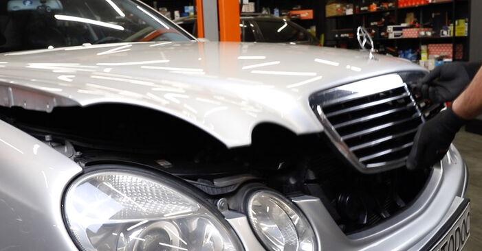 Как се сменя Спирачни Накладки на Mercedes W211 2002 - безплатни PDF и видео уроци