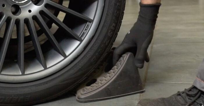 Tausch Tutorial Bremsbeläge am MERCEDES-BENZ E-Klasse Limousine (W211) 2006 wechselt - Tipps und Tricks