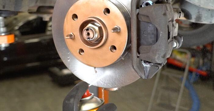 Remplacer Bras de Suspension sur Fiat Panda 169 2013 1.2 par vous-même