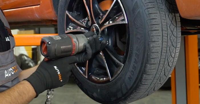 Changer Bras de Suspension sur FIAT PANDA (169) 1.3 D Multijet 4x4 2006 par vous-même