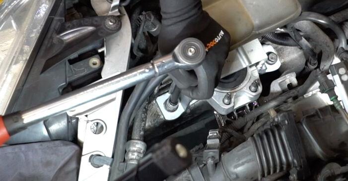 Schritt-für-Schritt-Tutorial zum eigenständigen Austausch von Ford Focus mk2 Limousine 2006 1.6 Ti Motorlager