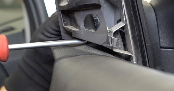 Wymiana Lusterko zewnętrzne Ford Focus mk2 Sedan 2004 - darmowe instrukcje PDF i wideo