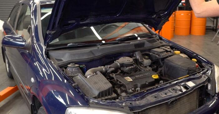 Hur byta Bromsskivor på Opel Astra g f48 1998 – gratis PDF- och videomanualer