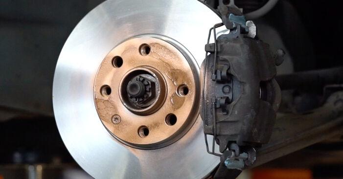 Steg-för-steg-rekommendationer för att byta Opel Astra g f48 1999 1.7 DTI 16V (F08, F48) Bromsskivor på egen hand