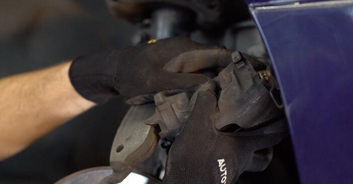 Tausch Tutorial Bremsbeläge am OPEL Astra G CC (T98) 1998 wechselt - Tipps und Tricks