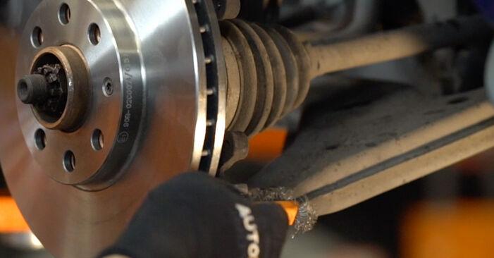 Как се сменя Спирачни Накладки на Opel Astra g f48 1998 - безплатни PDF и видео уроци