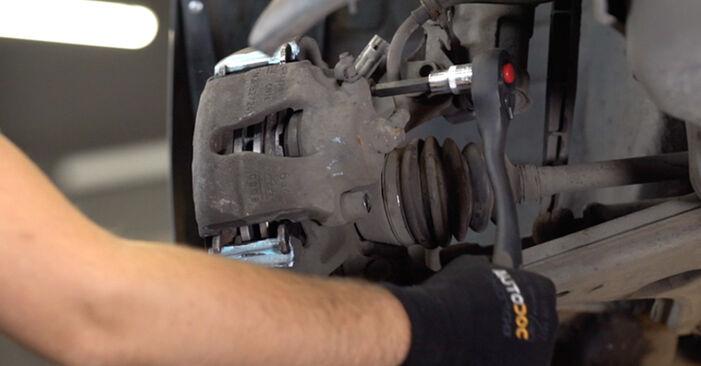 Bremsbeläge am OPEL Astra G CC (T98) 1.8 16V (F08, F48) 2003 wechseln – Laden Sie sich PDF-Handbücher und Videoanleitungen herunter