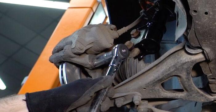 RENAULT KANGOO (KC0/1_) D 65 1.9 1998 Féktárcsa csere – minden lépést tartalmazó leírások és videó-útmutatók
