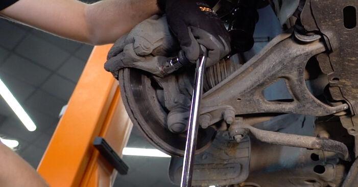 Mennyi ideig tart a csere: Féktárcsa Renault Kangoo kc01 2005 - tájékoztató PDF útmutató