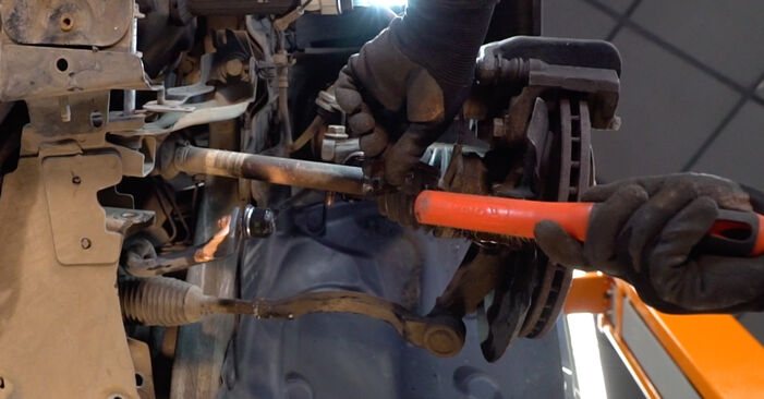 How to change Control Arm on RENAULT MEGANE II Saloon (LM0/1_) 2001 - tips and tricks
